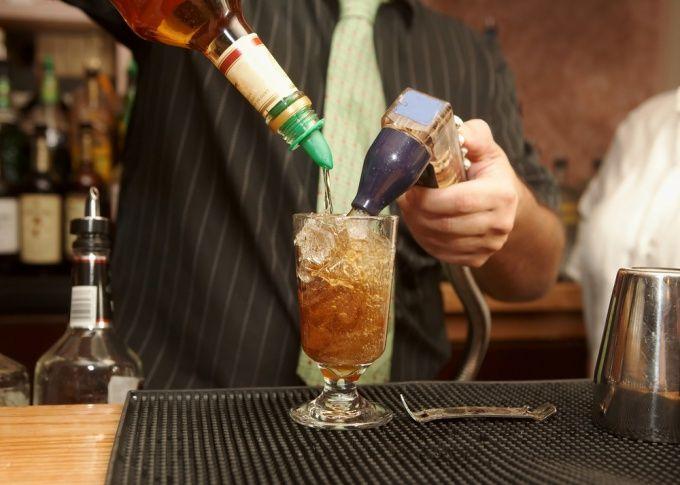 Як стати барменом