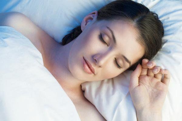 До чого сниться бути вагітною або бачити себе з великим животом: тлумачення снів популярними сонниками