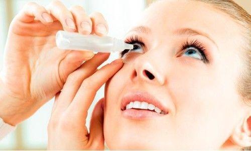 Як акуратно і правильно закапувати очні краплі?
