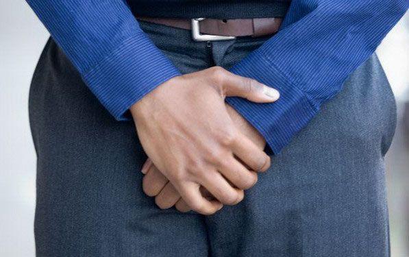 Як пояснити наявність крові при сечовипусканні у чоловіків?