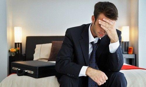 Розвиток простатиту і геморою в організмі чоловіка