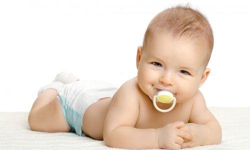 Причини і лікування молочниці в роті у новонароджених