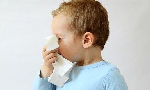 Рідкі соплі у дитини: методи лікування